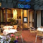 Novello Entrance