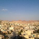 Vue sur Wadi Musa depuis la terrasse de l'hôtel