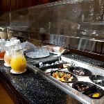 Free morning breakfast bar