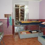 8 bed mixed bathroom