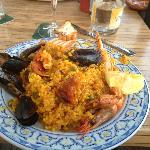 heaven for seafood paella lovers