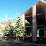 Best Western Plus Inn of Williams, AZ Lodge style exterior