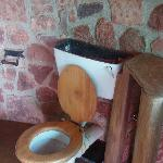 cannibalised and dirty bathroom