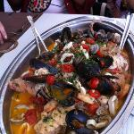the mixture of sea food as the main course