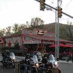 Bennetts BBQ Pit Gatlinburg TN