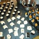composition de sushi maison fait par le chef lui meme
