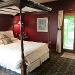 Vineyard suite bedroom