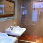 Bathroom of Renoir