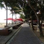 walk/bike path running along the beach in front of the hotel - great fir running