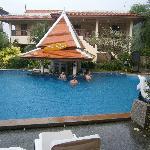 upper pool bar