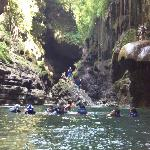 batu loncat di green canyon