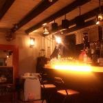 merdandy bar @ cafe