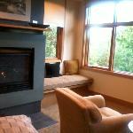 Dogwood Suite