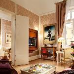 Romanov Suite Lounge