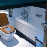 清潔で素敵ななバスルーム