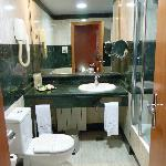 Room 511 bath