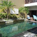 heerlijk zonnig privé zwembad