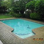 Swimming pool (not heated)