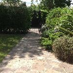 pathway to mainhouse