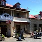 Hamilton Inn - Historic Accommodation