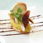 hummus y jamón de pato