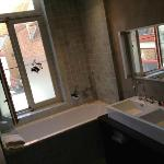 Nice modern bathroom (room Baptiste)