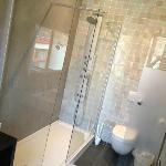 bathroom room Baptiste