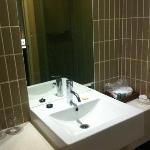 Extreemly clean bathroom.