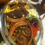 Gran plato de carnes variadas