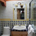 Bathroom!! Look at the tile!