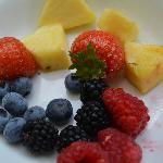 Frutas frescas del desayuno.