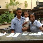 Soy Elian con mis amigos Cesar y Josefina