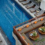 Pool Top Lounge