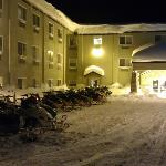 """Winterstimmung vor dem Hotel """"COMFORT INN"""""""