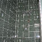 Shower-bath tiling