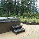 Theraputic hot tub