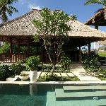 Villa Tujuh Living