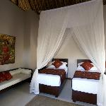 Villa Tujuh Twin bedroom set up