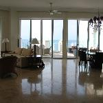 Penthouse Living/dinning room