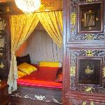 Chinese style bed in the Emperor's Room