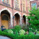 The inner courtyard garden at Queens University