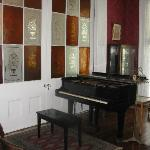 Parlour and pianr
