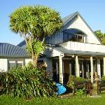 The Holiday house is part of the hostel and as lovely sea views