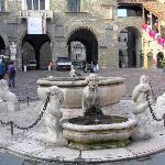 Piazza Vecchia Fontana Contarini