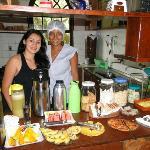 eu e a Grazi que manda muito bem na cozinha, muito prestativa.