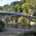 Den gamla bron övr floden Spye