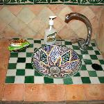Sink, Riad Zahraa