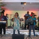 Vanessa Quai entertains us (Diva of the South Pacific)