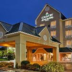 CountryInn&Suites Summerville ExteriorNight