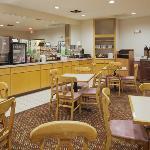 CountryInn&Suites Clinton BreakfastRoom